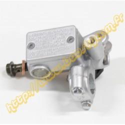 Maitre cylindre de frein avant droit gris avec pas de vis pour retroviseur